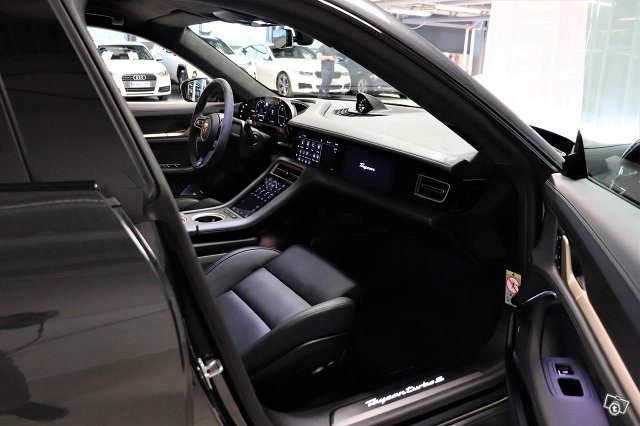 Porsche Taycan 9