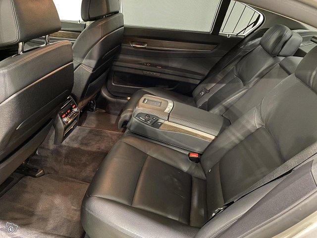 BMW 730 15
