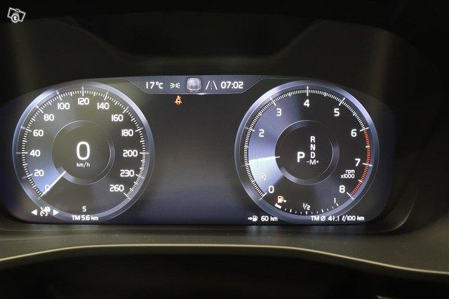 Volvo XC40 9