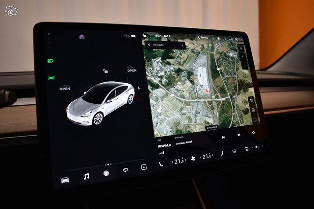 Tesla Model 3 17