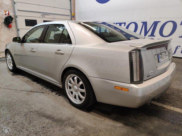 Cadillac STS 4