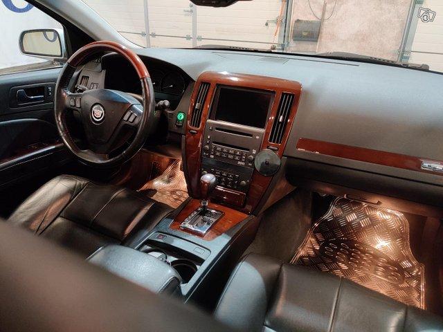 Cadillac STS 11