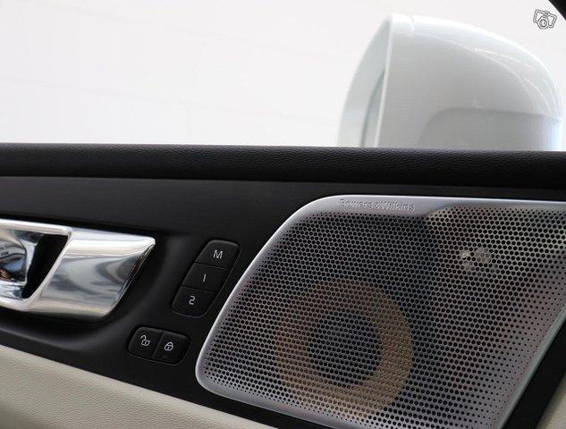 Volvo XC60 19