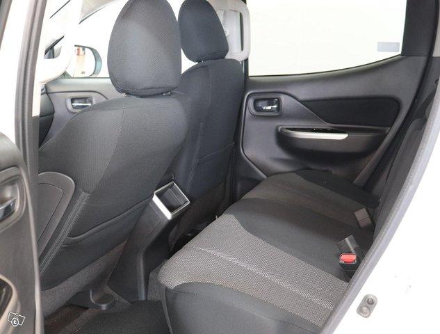 Mitsubishi L200 17