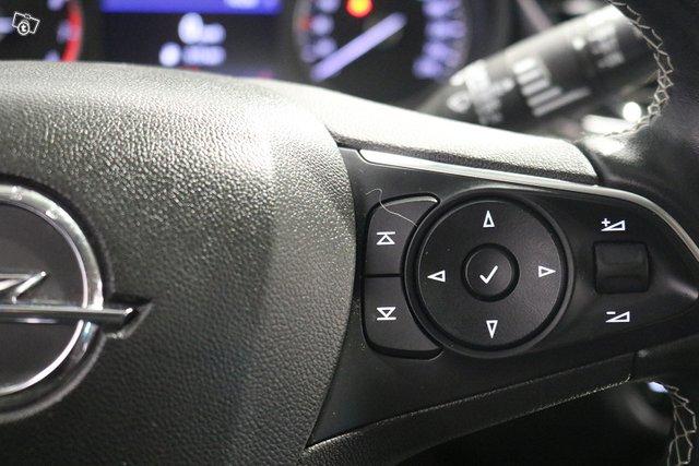 Opel INSIGNIA 12