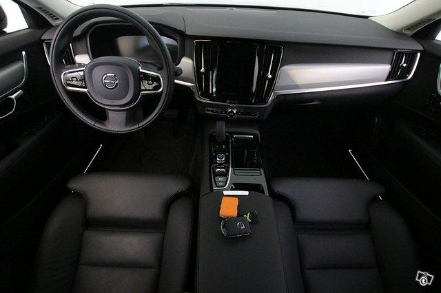 Volvo S90 8