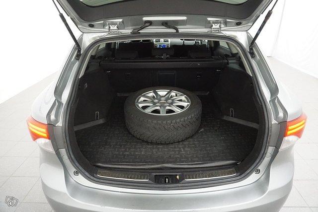 Toyota Avensis 21