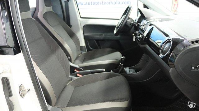 Volkswagen Up 9