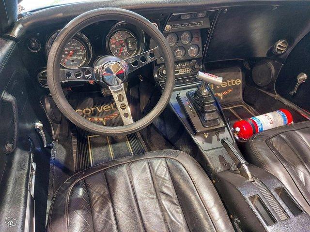 Chevrolet Corvette 17