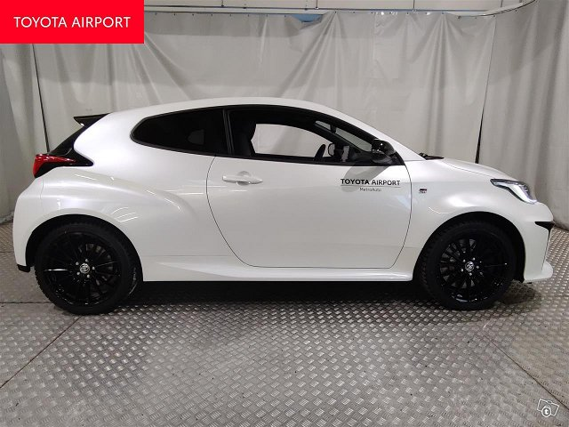 Toyota GR Yaris 10