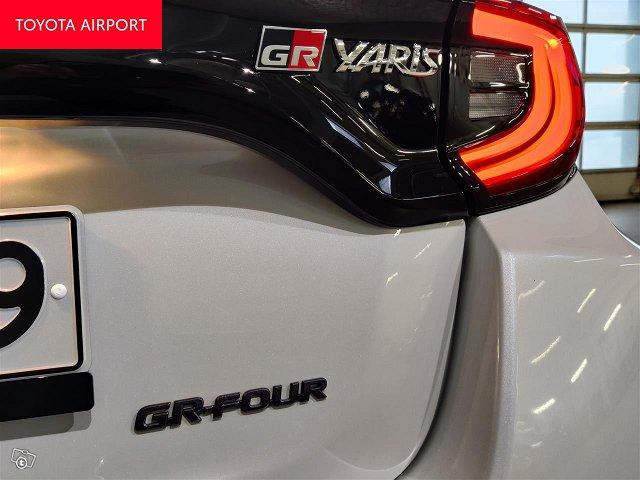 Toyota GR Yaris 15