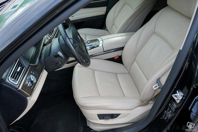 BMW 730 9