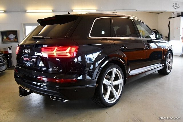 Audi Q7 4