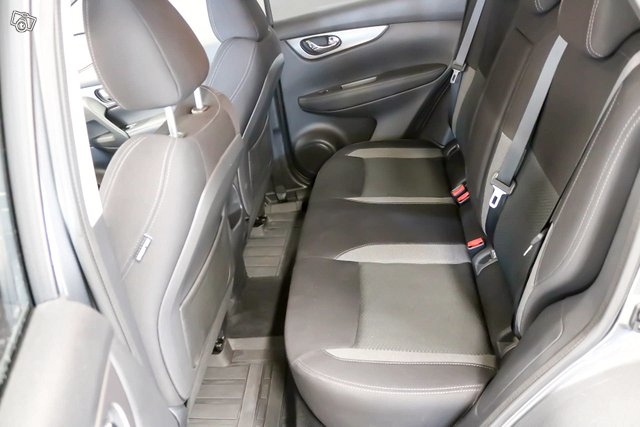 Nissan QASHQAI 7