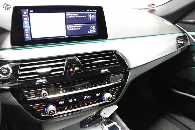 BMW 530 19