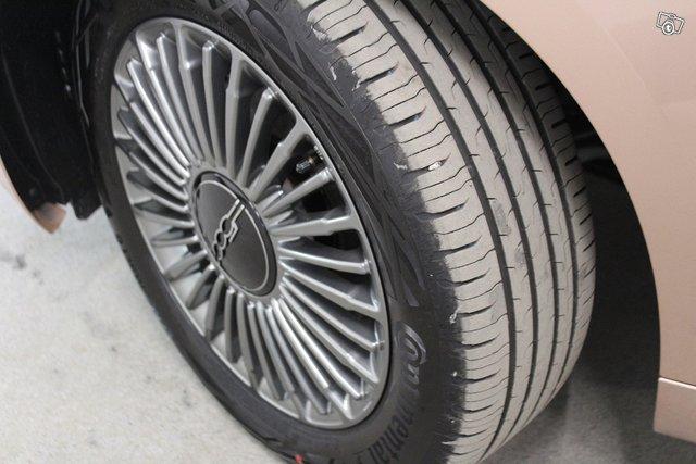 FIAT 500e 8