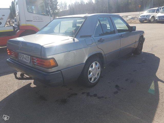 Mercedes-Benz 190 7