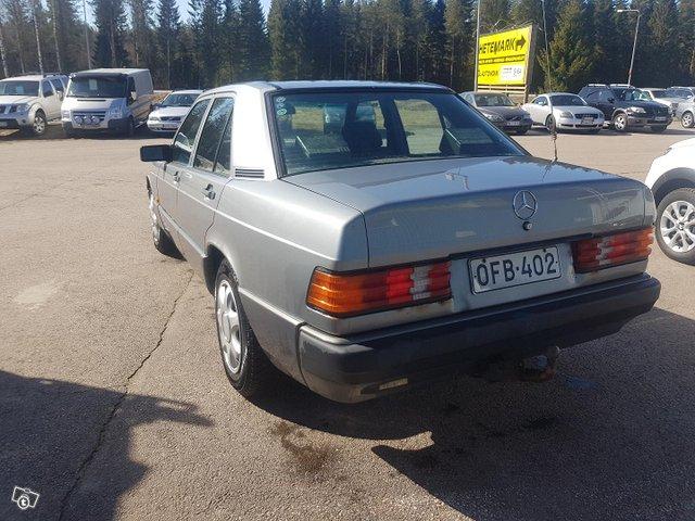 Mercedes-Benz 190 10