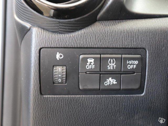 Mazda Mazda2 12