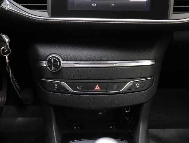 Peugeot 308 13