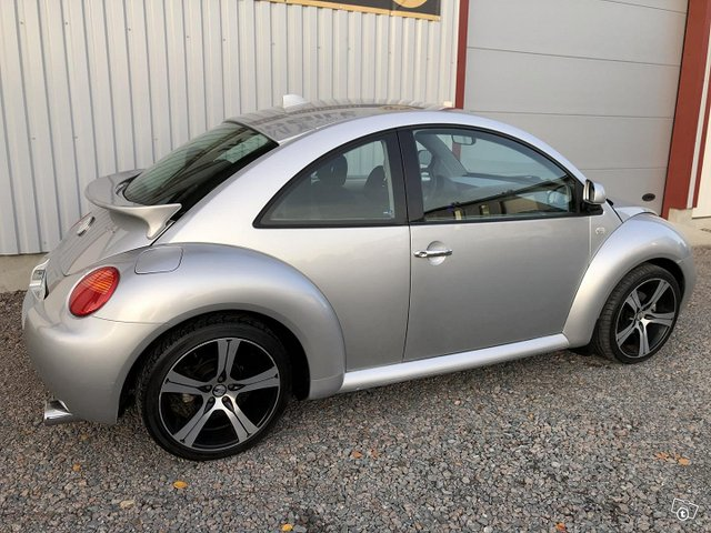 Volkswagen New Beetle 5