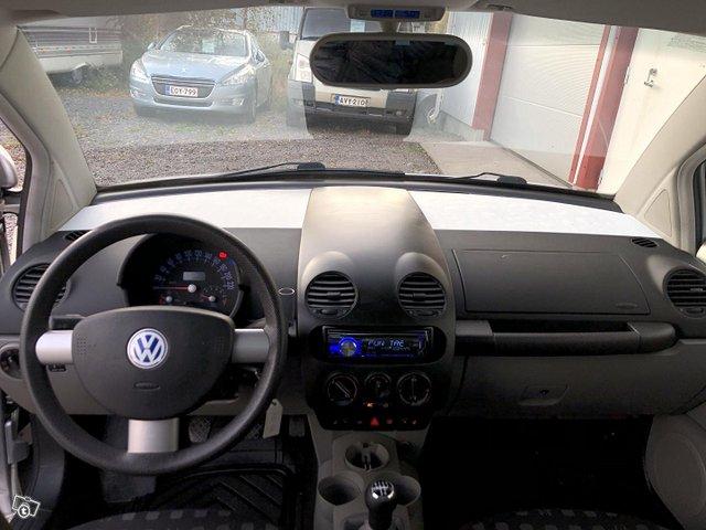Volkswagen New Beetle 12