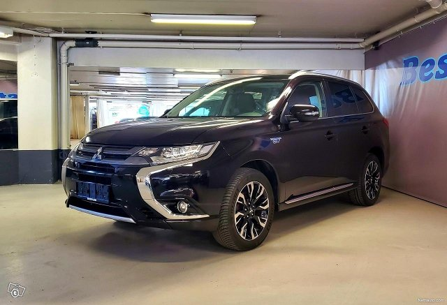 Mitsubishi Outlander PHEV 5