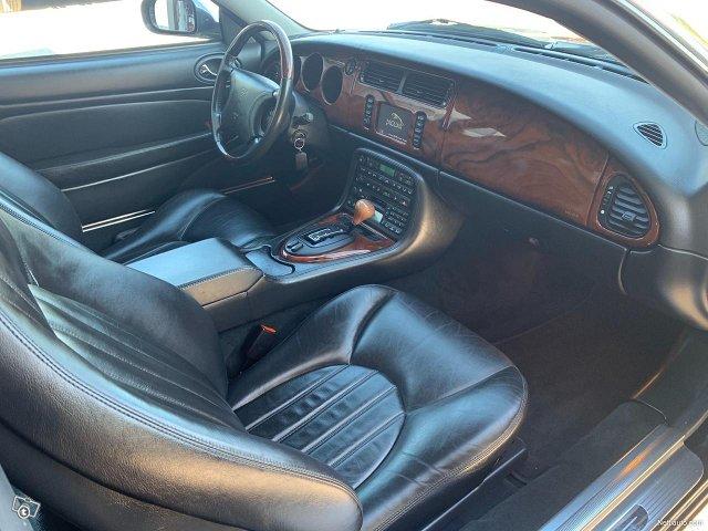Jaguar XKR 9