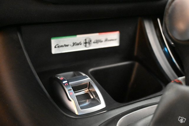 Alfa Romeo Giulietta 18