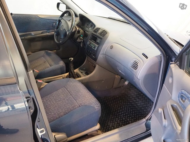 Mazda 323 6