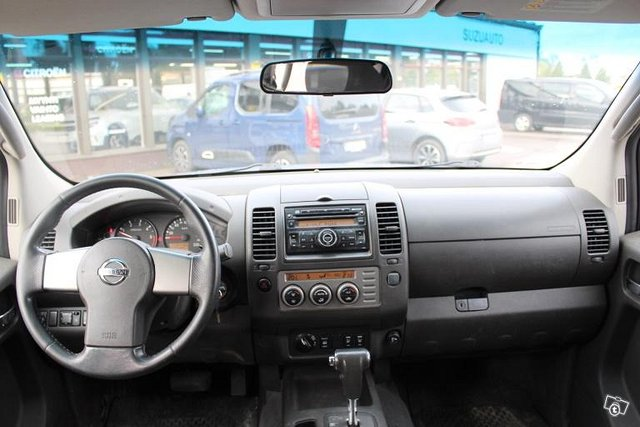 Nissan Navara 8