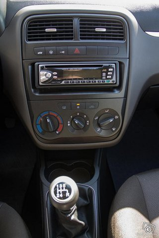 Fiat Grande Punto 13