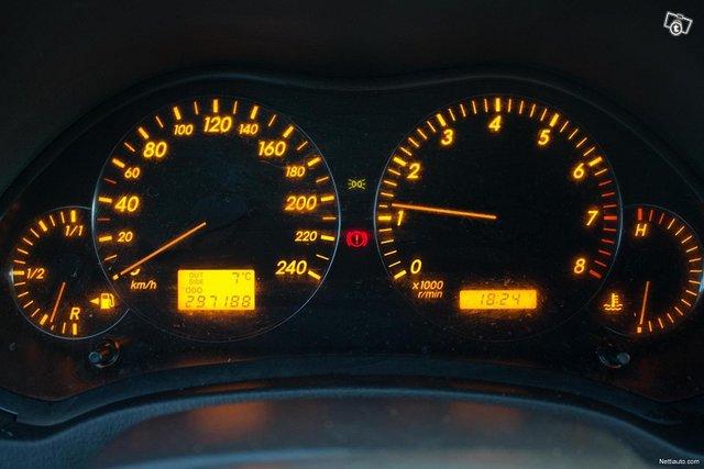 Toyota Avensis 17