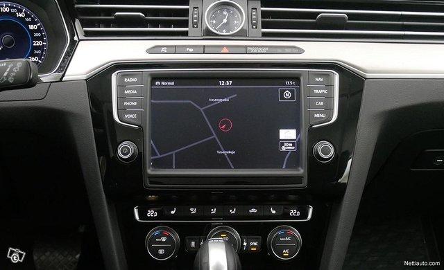 Volkswagen Passat 11