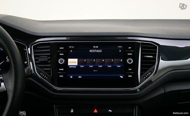 Volkswagen T-Roc 11