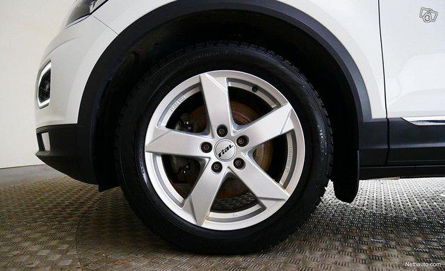 Volkswagen T-Roc 14