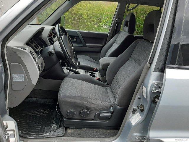 Mitsubishi Pajero 13