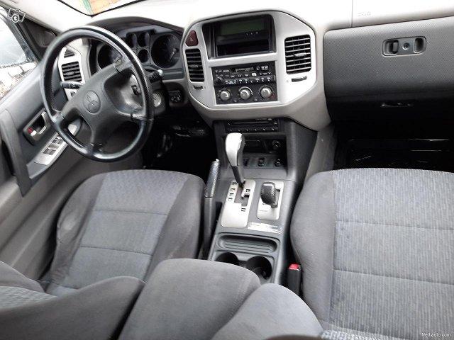 Mitsubishi Pajero 16
