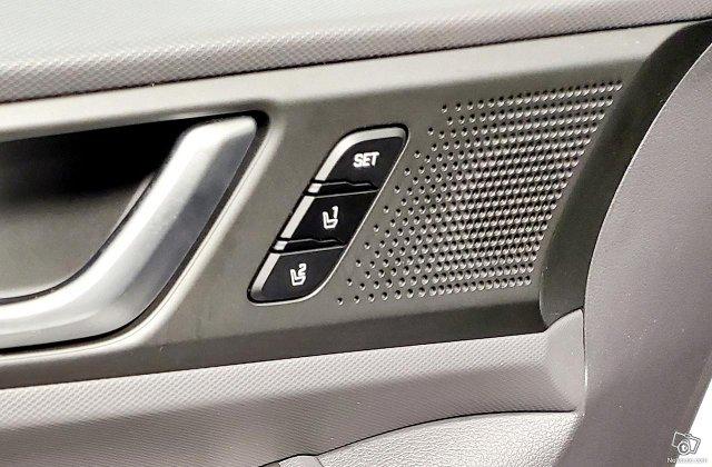 Hyundai Ioniq Electric 24