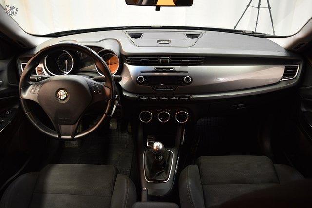 Alfa Romeo Giulietta 14