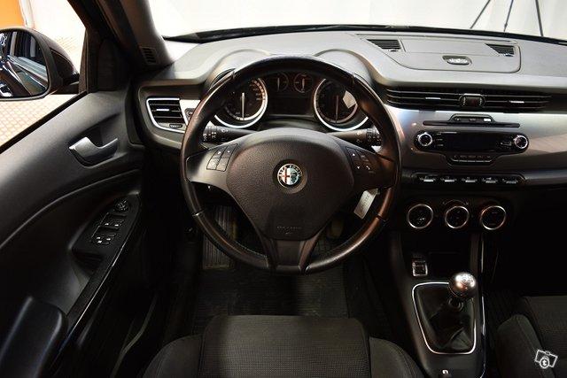 Alfa Romeo Giulietta 16