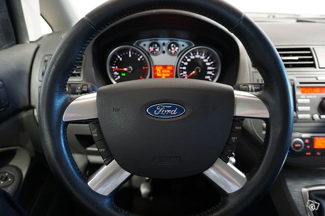 Ford C-Max 20