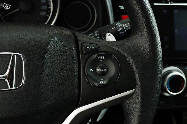 Honda JAZZ 18