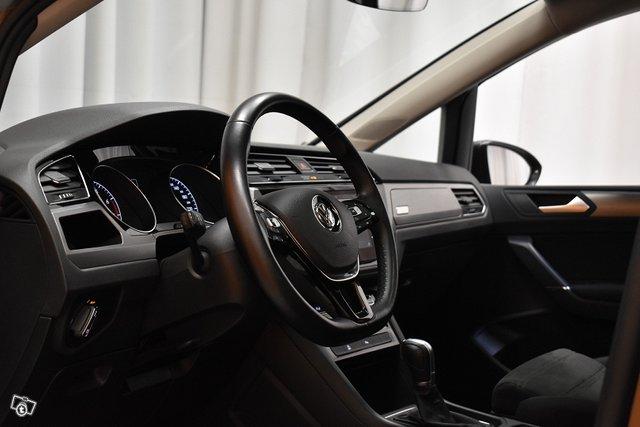 Volkswagen Touran 12