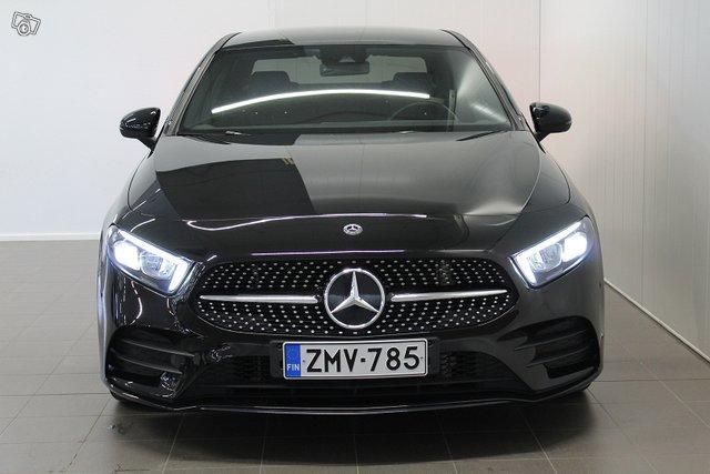 Mercedes-Benz A 8