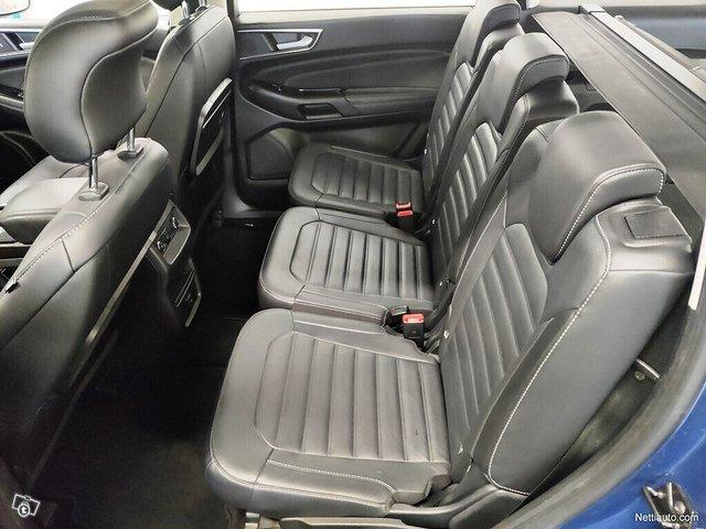 Ford Galaxy 13