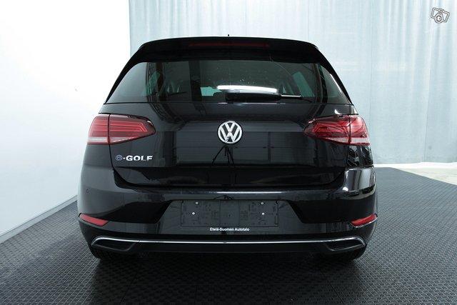 Volkswagen GOLF 18