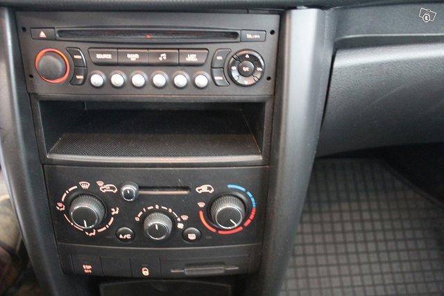 Peugeot 207 18