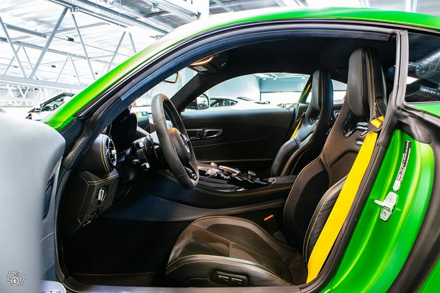 Mercedes-AMG AMG GT R 10