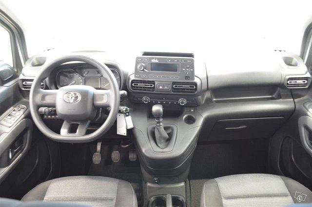 Toyota Proace CITY Verso 8